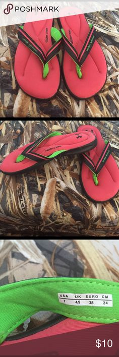 Under Armor 4-D foam flip-flops Like New size 7 Under Armor 4-D foam flip-flops size 7. Practically brand-new I wore them one time. The foam is like having your feet on a really thick yoga mat   Perfect addition to the summer wardrobe. Under Armour Shoes Sandals