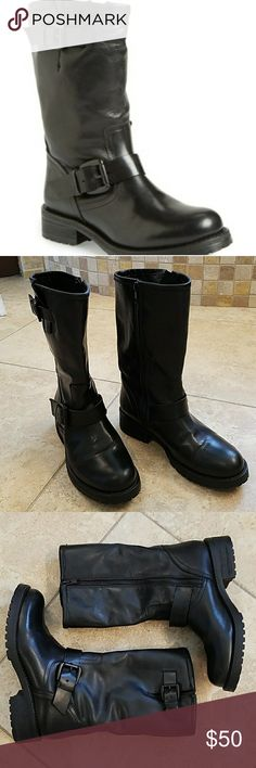 Steve Madden Shevron Biker Boot EUC Super cute biker style boot.  Genuine leather.  Only worn a few times.  Excellent condition. Steve Madden Shoes Combat & Moto Boots