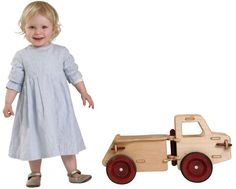 Built with heirloom quality and makes the perfect gift. Moover is a luxury brand of mobile wooden toys designed in Denmark Helps to safely develop children's motor skills and encourage exploration ...   toys4mykids.com