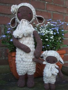 LUPO the lamb made by Laura F. / crochet pattern by lalylala
