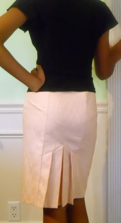 Items similar to Peach Pencil Skirt with Pleated Back on Etsy African American Fashion, African Fashion Skirts, Winter Fashion Outfits, Fashion Pants, Pleated Skirt, Dress Skirt, Elegant Dresses For Women, White Knit Sweater, Skirt Patterns Sewing