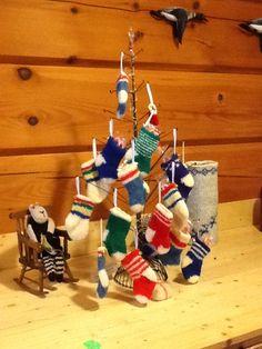 Felt, Christmas Ornaments, Knitting, Holiday Decor, Home Decor, Felting, Tricot, Breien, Christmas Ornament