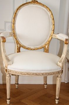 Gustavian chair with white linen....i <3 this