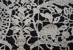 Maria Niforos - Fine Antique Lace, Linens & Textiles : Antique Lace # LA-233 Magnificent & Rare Amelia Ars Reticella Table Cloth