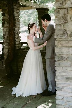 Emotional first look moments | Image by Suzuran Photography