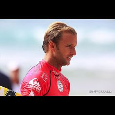 #oneofours @josh_kerr84 in the zone before his heat early this year at #snapperrocks & just around the corner is #pipemasters #billabongpipemasters #billabongpipemasters2015 #snapperrazzi #canon #canon_photos #canonaustralia #canon_official #canonphotography #photography by by chris_ramsden