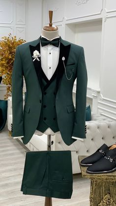 Slim Fit Tuxedo, Slim Fit Suits, Tuxedo Suit, Mens Wedding Suits Navy, Green Tuxedo, Royal Green, Designer Suits For Men, Looking Dapper, Formal Suits