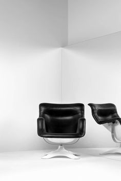 1964_ 'Karuselli' armchair by YRJÖ KUKKAPURO