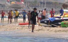 Le immagini dei primi istanti della strage in Tunisia All'indomani della feroce strage dell'Hotel Riu Imperial Marhaba di Port El Kantaoui, vicino a Sousse in Tunisia, Sky News diffonde le immagini dell'attentatore durante i primi istanti dell'attacco a #sousse #tunisia #strage #terrorismo