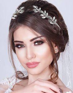 Tiara argintie cu lauri Greek Goddess Skating Dresses, Bride Hairstyles, Greek, Crown, Boho, Hair Styles, Fashion, Head Bands, Hairstyles For Brides