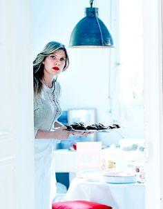 http://www.elle.fr/Elle-a-Table/Les-dossiers-de-la-redaction/Dossier-de-la-redac/Connaissez-vous-Angele-Maeght-la-chef-naturelle-bio-et-detox