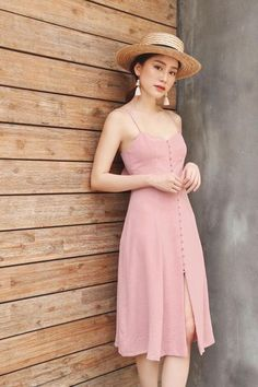 35 Summer Fashion 2019 For College - Fashion New Trends College Fashion, College Outfits, Cute Dresses, Casual Dresses, Summer Dresses, Modest Fashion, Fashion Dresses, Mode Chic, Elegant Outfit