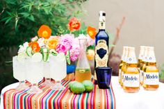Ideas Fiesta Bridal Shower Ideas Cinco De Mayo For 2019 Mexican Dinner Party, Mexican Fiesta Party, Fiesta Theme Party, Party Themes, Party Ideas, Dinner Party Decorations, Dinner Party Table, Mexican Birthday, Tacos And Tequila