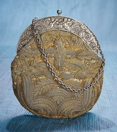 Antique Needlework Tools and Sewing: 83 Early 19th-Century Purse with Cherub Silver Clasp
