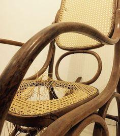 Arte em Palha (Empalhamentos, Itu/SP)  Cel/Whats: 11 97040-6441  Tel: 11 4025-2175 Instagram: #arteempalha  #cadeira #cadeiradepalhinha #palhinha #silla #rejilla #chaircaning #chair #canespotting #restored #restore #craft #craftsman #handmade #furniture #decorhome #decor #decoração #decorations #interiordecor #interiors #noite #noiteboa #boanoitee #boanoitinha #boanoiteee #boanoite #goodnight #follow4follow #fui