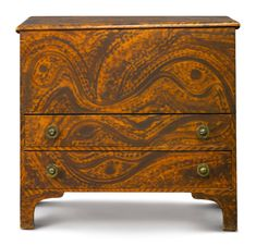 Fine Federal Paint-Decorated Pine Two-Drawer Blanket Chest, Eastern New York State, circa 1810 Example of country graining Primitive Furniture, Country Furniture, Upcycled Furniture, Antique Furniture, Painted Chest, Painted Boxes, Paint Furniture, Furniture Makeover, Art Nouveau