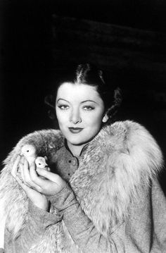 Myrna Loy and a handful of baby chicks Old Hollywood Stars, Golden Age Of Hollywood, Vintage Hollywood, Classic Hollywood, Hollywood Divas, Hollywood Icons, Myrna Loy, Classic Actresses, Actors & Actresses