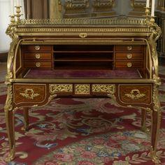Toll top desk (bureau à cylindre)