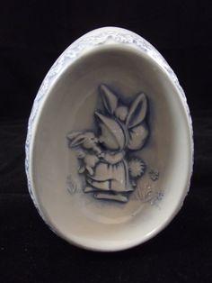 1976 Ceramic Egg  Mama Bunny by TheClassyGlassLassy on Etsy