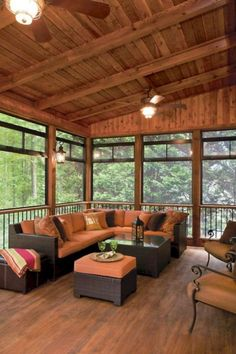 Surf photos of sunroom designs as well as decor. Discover ideas for your 4 periods room addition, including ideas for sunroom decorating and also formats. Screened Porch Designs, Screened In Deck, Backyard Patio Designs, Screened Porches, Cabin Porches, Enclosed Porches, Porch Gazebo, Back Porch Designs, Screened In Porch Furniture