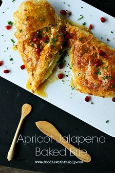 Baked Apricot and Jalapeno Brie www.foodiewithfamily.com