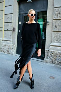 Anja Rubik. Via: Model Street Style