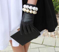 coat Mohito, dress Tatum, pearls my Mum's drawer, gloves C, purse Top Shop