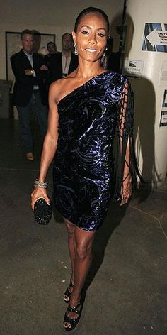 Who made jada pinkett smith s blue one shoulder dress that she wore