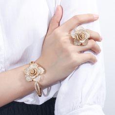 Jewelry Making Aesthetic Hand Jewelry, Women's Jewelry Sets, Stylish Jewelry, Luxury Jewelry, Jewelry Accessories, Fashion Jewelry, Jewelry Rings, Silver Jewelry, Jewelry Making