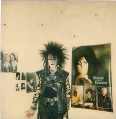 A Short Term Effect : Photos Deathrock Fashion, Punk Fashion, Gothic Fashion, Vintage Goth, Subcultura Punk, 80s Goth, Goth Subculture, Goth Look, Gothic Aesthetic