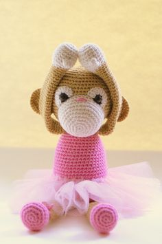 Pattern for sale at http://www.amigurumiswebshop.nl/index.php?action=article&group_id=14&aid=76&lang=NL
