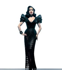 #FASHION: THE FIRST FULLY ARTICULATED 3D DRESS    In collaboration with 3D print specialists Shapeways, New York designer Michael Schmidt and architect Francis Bitonti created the first fully articulated 3D-printed gown tailored specifically for burlesque queen Dita von Teese.