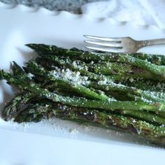 yum and perfect for spring! Grilled Asparagus with Parmesan