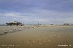 Pfahlhäuser am Strand an der Nordsee in St. Peter-Ording // Foto: R. Kerpa