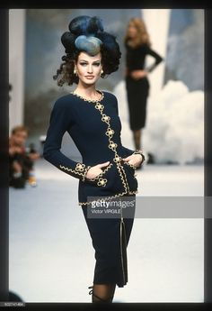 Karen Mulder walks the runway during the Chanel Haute Couture show as part of Paris Fashion Week Spring/Summer 1992-1993 in January, 1992 in Paris, France.