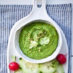 Lemon Spinach Hummus - So healthy, so easy, so yummy. #Snacks #Dips #Delicious