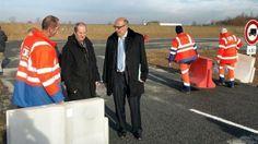 Près de Bayeux : Une nouvelle aire de covoiturage pour 42 véhicules - Ouest France - D'une superficie de 1 200 m² la nouvelle aire de covoiturage près de Bayeux peut accueillir 42 véhicules. À terme, la capacité de la nouvelle aire de covoiturage près de Bayeux pourra être doublée. Depuis ce jeudi, une nouvelle aire de covoiturage est opérationnelle à l'entrée est de Bayeux.