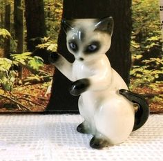 Hey, I found this really awesome Etsy listing at https://www.etsy.com/listing/552921416/goebel-vintage-siamese-cat-figurine-w