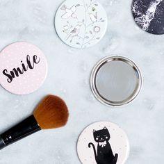 A pocket mirror for your purse. In stores now. Price DKK 298 / SEK 398 / NOK 448 / EUR 043 / ISK 83 / GBP 0.34  #mirror #pocketmirror #aesthetics #inspiration #sostrenegrene #søstrenegrene