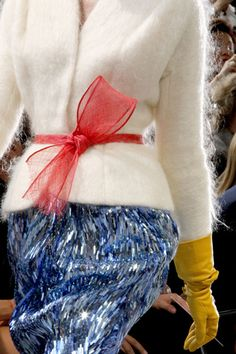 Christian Dior Couture Fall 2010 - lovin the belt