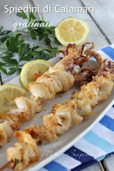 Grilled squid skewers baked second recipe and appetizer Calamari Recipes, Fish Recipes, Meat Recipes, Seafood Recipes, Cooking Recipes, Healthy Recipes, Finger Food Appetizers, Appetizer Recipes, Italian Dishes
