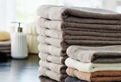 Comfy, cosy towels available in a range of colours and sizes from JYSK. Soft Towels, Guest Towels, Bath Towels, Bathroom Styling, Bathroom Interior Design, Scandinavian Home, Bathroom Accessories, Teak, Colours