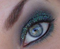 Do you like this beautiful face makeup?