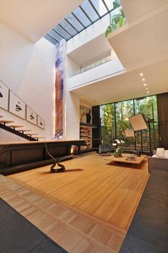 Stunning New York Urban Retreat With a Glamorous Past [Video]