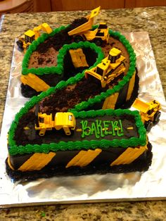 Construction theme birthday cake construction cake dirt cake 2 cake Use cupcakes: cookies and cream, crushed Oreos for dirt 2nd Birthday Boys, Second Birthday Ideas, 2 Birthday Cake, 2nd Birthday Parties, Digger Birthday Cake, Tractor Birthday Cakes, Number Birthday Cakes, Invitation Fete, Construction Birthday Parties