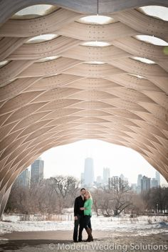 Love this spot for photos! Chicago Engagement Photo. #chicago #wedding #engagement