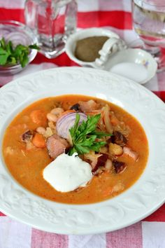 Káposztás bableves - Kifőztük, online gasztromagazin Hungarian Recipes, Hungarian Food, Goulash, Bean Soup, Thai Red Curry, Cabbage, Beans, Ethnic Recipes, Soups