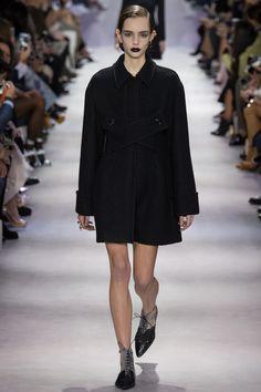 Christian Dior Fall 2016 Ready-to-Wear Collection Photos - Vogue   #ChristianDior   #fashion   #Koshchenets