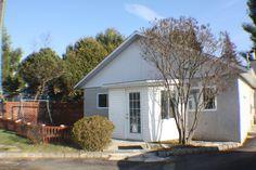 Maison de plain-pied à vendre à Sainte-Julienne, Lanaudière | Sutton Québec Condo, Plants, Real Estate Broker, Plant, Planting, Planets