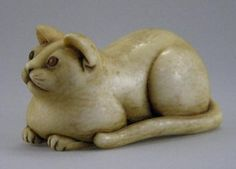Signed 19th century Japanese finely carved Katabori Netsuke Ivory Cat.